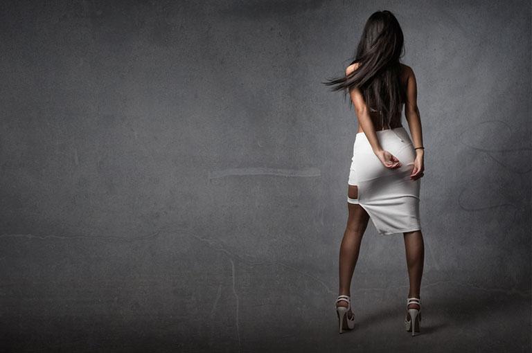 Tancerka wbiałej spódnicy
